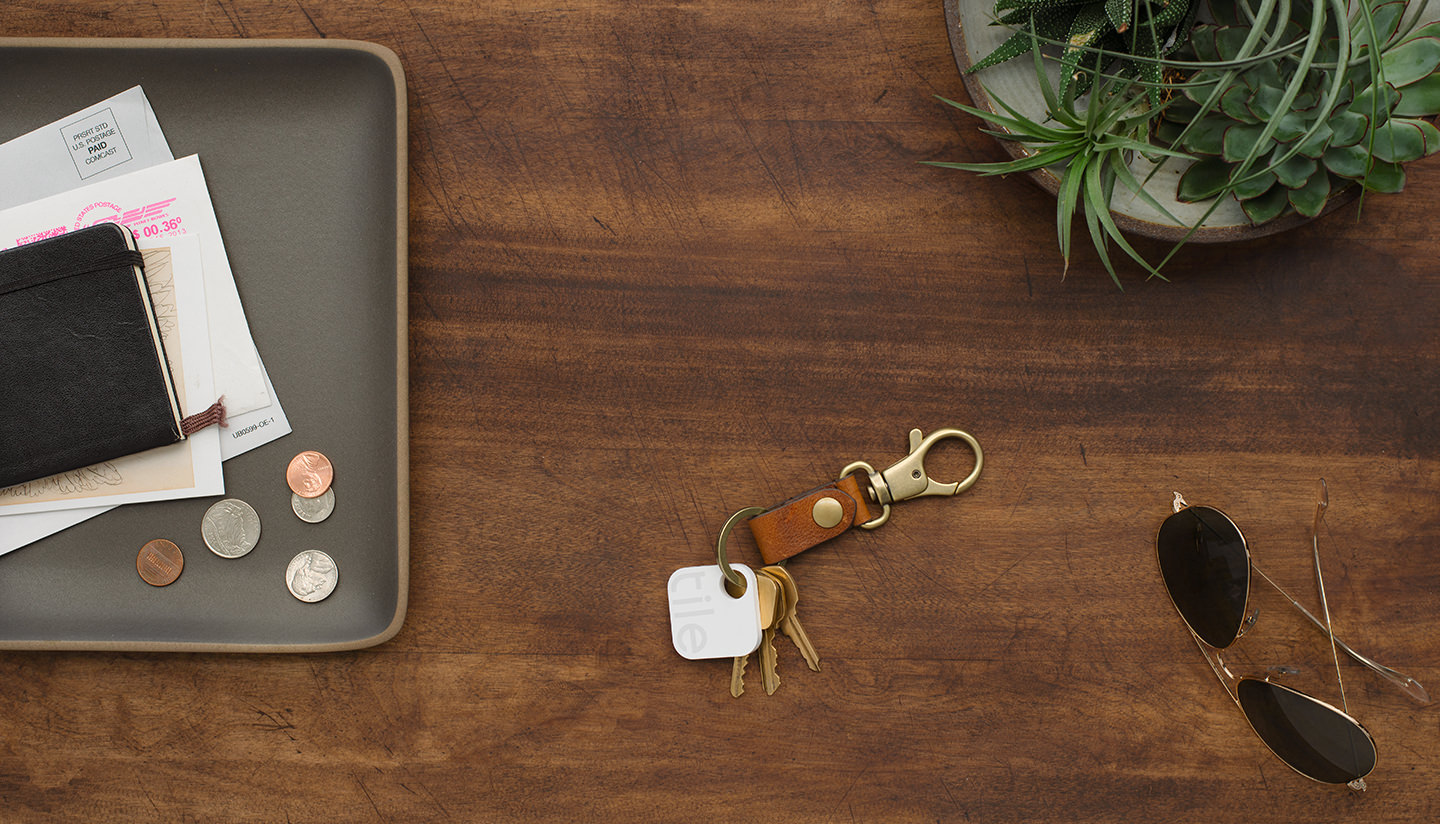 key finder tile find what matters find your lost wallet or bag 10563